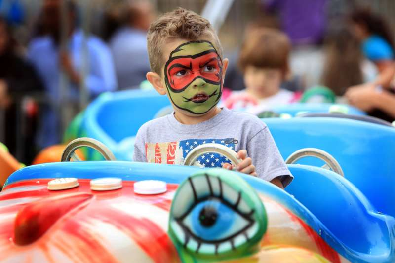 Face painted and Rides
